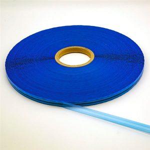 Sachet en plastique emballant la bande de scellement rescellable